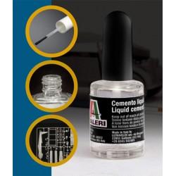 Italeri Cemento Liquido per plastica 15ml con pennello grande